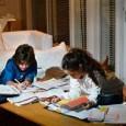 La importancia de mandar deberes, el desarrollo de nuevas actividades fuera del colegio, ayuda a tener un conocimiento más amplio sobre el tema y la ejercitación de la mente.